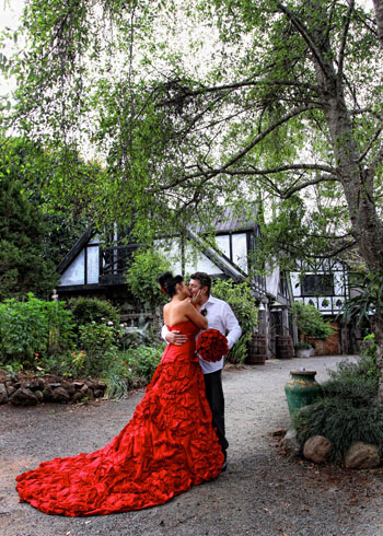 Ami & Tony celebrated their Marriage with a Seven Chakra Handfasting at Songbirds Rainforest Retreat with Marry Me Marilyn