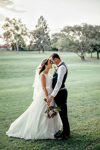 Marry Me Marilyn Celebrant for Barbara & Phil Wedding Windaroo Lakes Golf Club Windaroo Logan