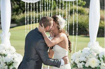Marry Me Marilyn married Emma & Reece Wedding links Golf Course Hope Island Gold Coast