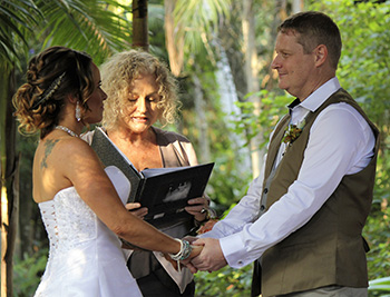 Marry Me Marilyn Kathy & Martin Wedding Cedar Creek Lodges Mt Tamborine