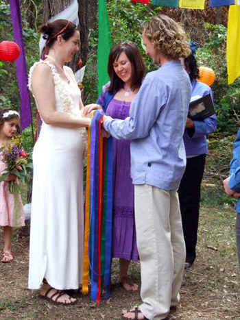 Mary & Brendan had a unique handfasting Wedding Ceremony at their home on Macleay Island