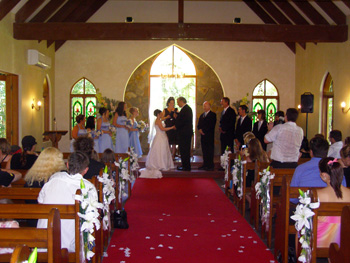 Marry Me Marilyn married Scott & Leah Coolibah Downs Chapel Nerang Gold Coast in a tradtional wedding